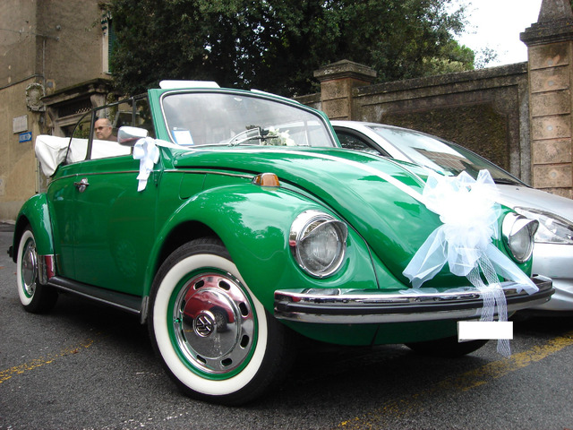 Noleggio Maggiolone Cabrio Verde con autista
