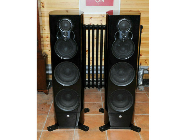 Piano Black LINN Klimax 350P Loudspeakers - 1/2
