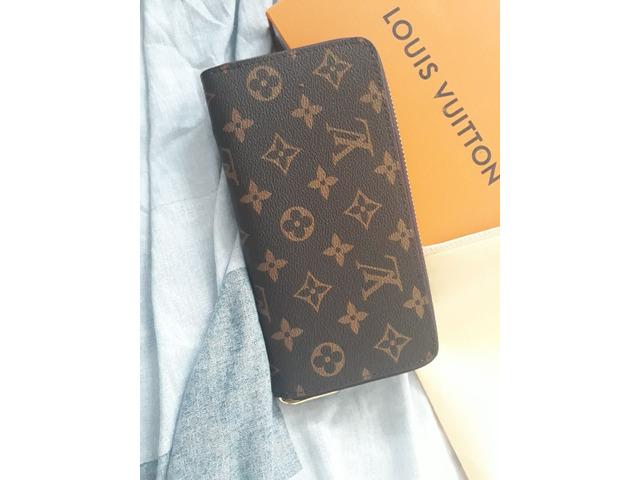 Pochette portafoglio Louis Vuitton uomo e donna