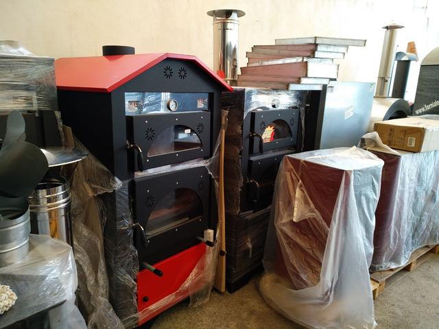 Forno a legna ventilato in acciaio inox con barbecue estraibile