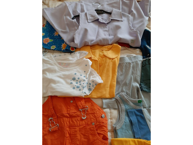 Abbigliam bimbo/bimba da 6 mesi a 5 anni - 4/5