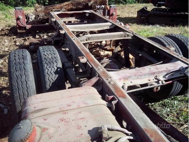Ricambi autocarro 79 12 demolito