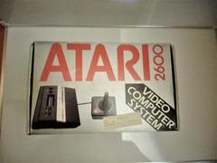 CONSOLE ATARI 2600 JR RAINBOW DEL 1986 NUOVA E RARA