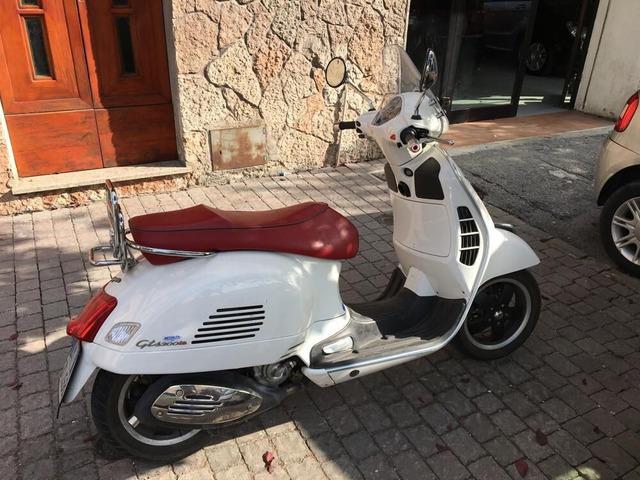 Vespa GTS 300 Super - 1