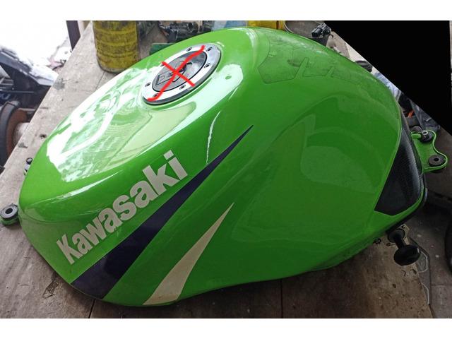 Serbatoio Kawasaki ZX-6R anno 1999 - 1/3
