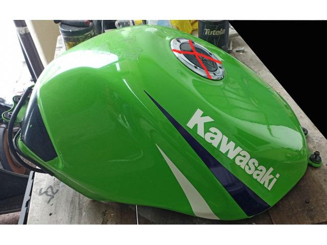 Serbatoio Kawasaki ZX-6R anno 1999 - 3/3