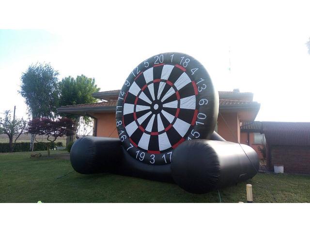 "Noleggio Gonfiabile "" Foot Darts Game"" Tiro Al Bersaglio"