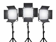 Cercasi talenti e modelle/i per servizi fotografici e-commerce