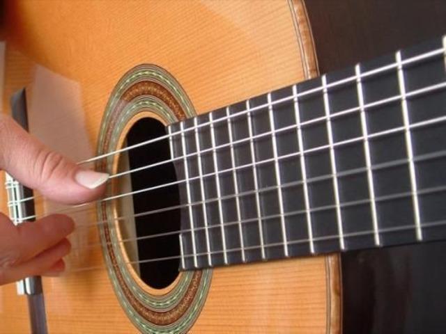 Lezioni di chitarra anche a domicilio x bambini-ragazzi-adulti - 1