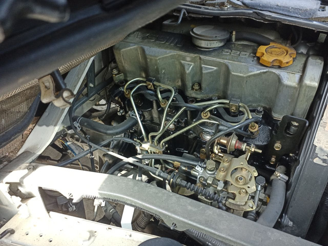 Motore Nissan Vanette 2300 Diesel LD23A KM 60000 - 1
