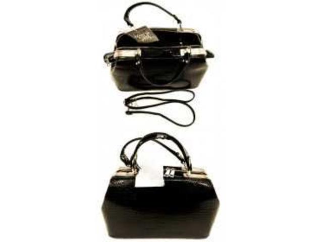 borsa da donna nera con portafoglio e portaspiccioli a prezzo conveniente