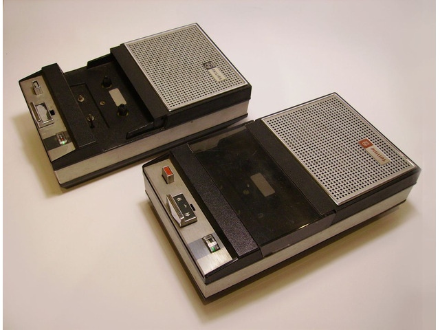 Registratori a cassetta vintage Philips Kt anni 60