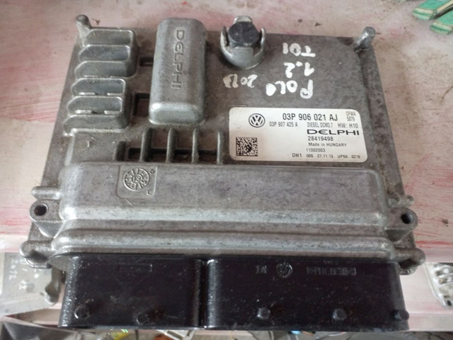 Centralina Volkswagen Polo 1.2 TDI 03P906021AJ - 1/2