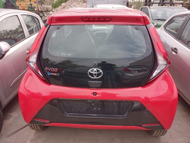 Porte portellone paraurti fanali Toyota AYGO 2020
