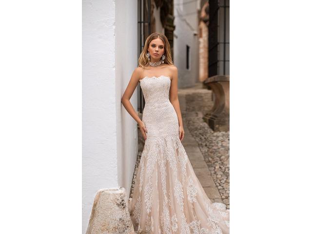 Vendo abito da sposa a sirena con le maniche