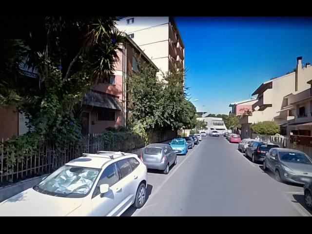 Oristano comodo appartamento centrale Giardini di Viale Repubblica - 4