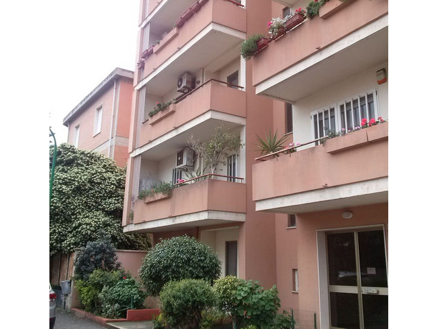 Oristano comodo appartamento centrale Giardini di Viale Repubblica - 5