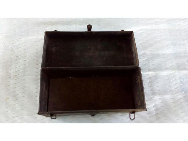 Cassetta porta attrezzi antica in metallo - 2