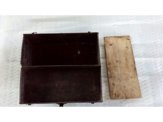 Cassetta porta attrezzi antica in metallo - 3