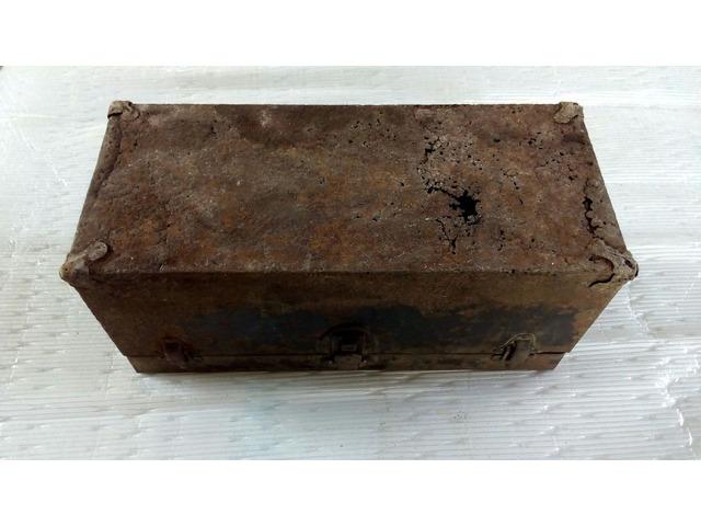 Cassetta porta attrezzi antica in metallo - 4