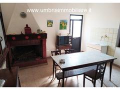 Rif. 108 casale con 4 ettari in Avigliano Umbro - 3