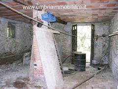 Rif. 108 casale con 4 ettari in Avigliano Umbro - 4