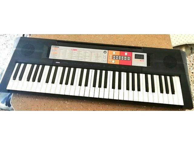 Vendesi tastiera digitale Yamaha