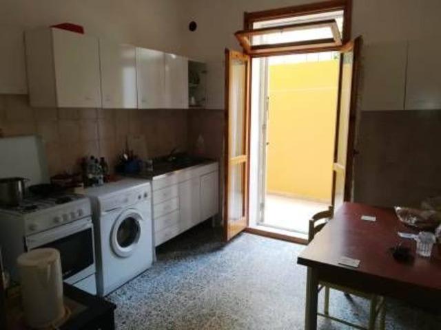 Alghero centrale appartamento di Mq 130 con cortile !!!