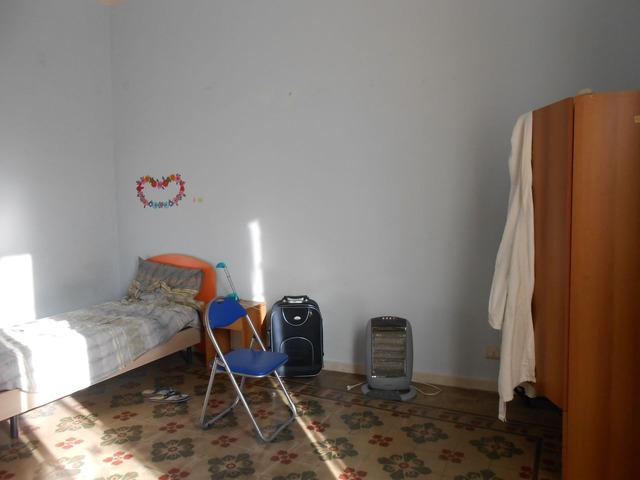 Stanza in centro-Via Umberto I - 4