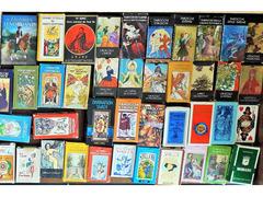 Tarot  ,Sibille, carte divinatorie collezione formata da  78 mazzi