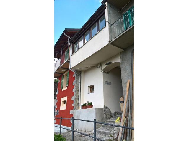 Affitto casa indipendente disposta su due livelli a Cossogno