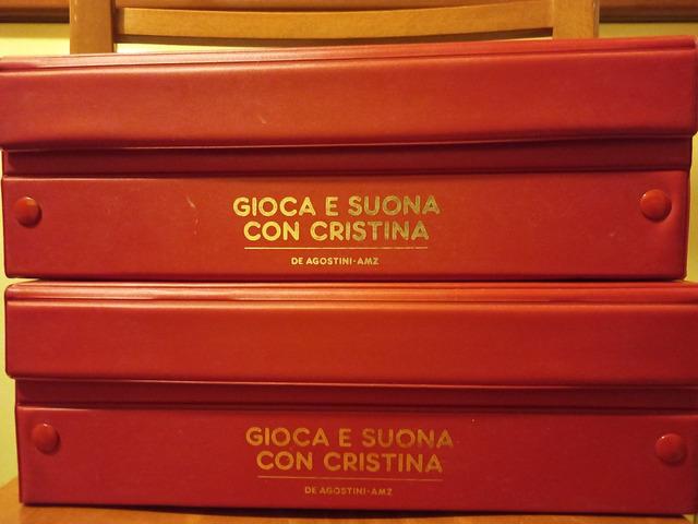 """Cristina D'Avena. Box completo """"Gioca e suona con Cristina"""" - 1/8"""