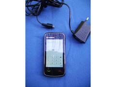Cellulare  Touchscreen  Vodafon 547