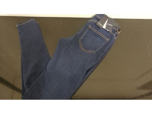 stock jeans firmati gruppo ONLY