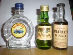 3 bottiglie di liquore mignon
