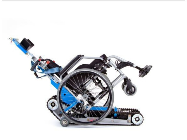 Montascale a cingoli per carrozzina per disabili, ancora in garanzia un anno - 3/8