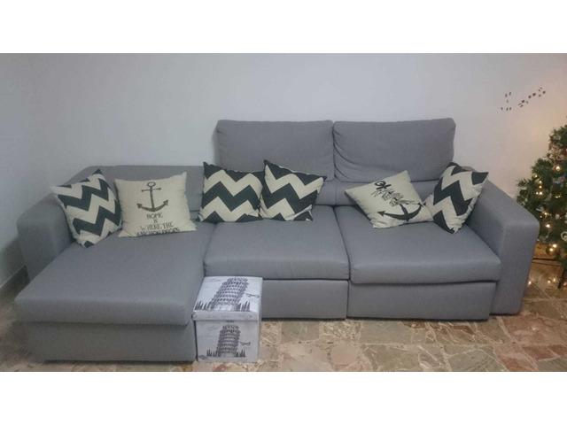 Divano in stoffa colore grigio 3 posti allungabili con sceslong
