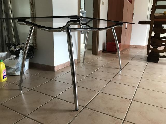 Tavolo Calligaris nuovo in acciaio e vetro