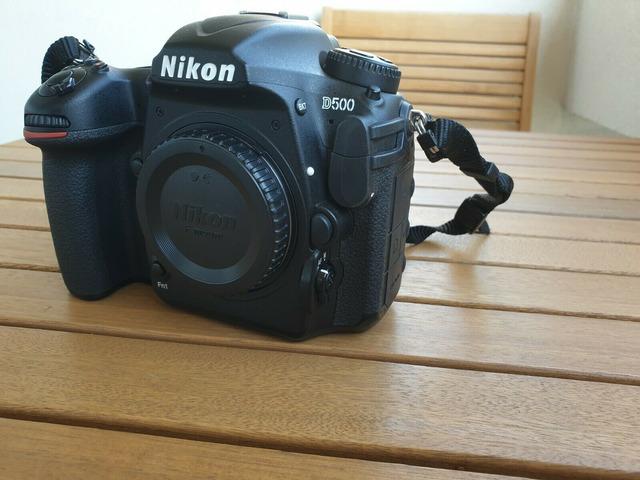 Fotocamera Nikon D500 in perfette condizioni per la vendita